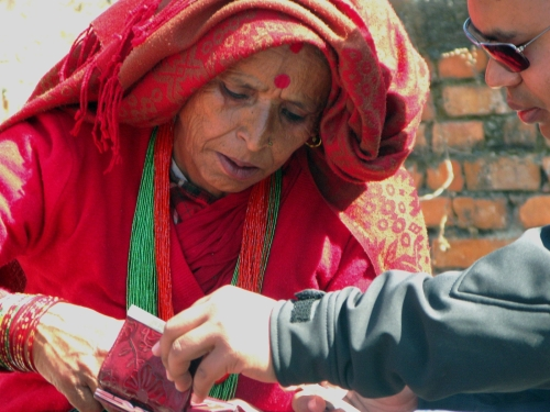 mother showing a pic of her son
